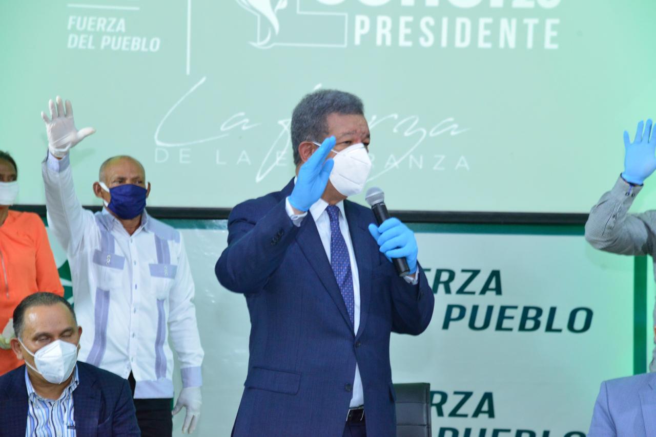 Leonel Fernández juramentará este miércoles al Comité Nacional Organizador del primer congreso de Fuerza del Pueblo