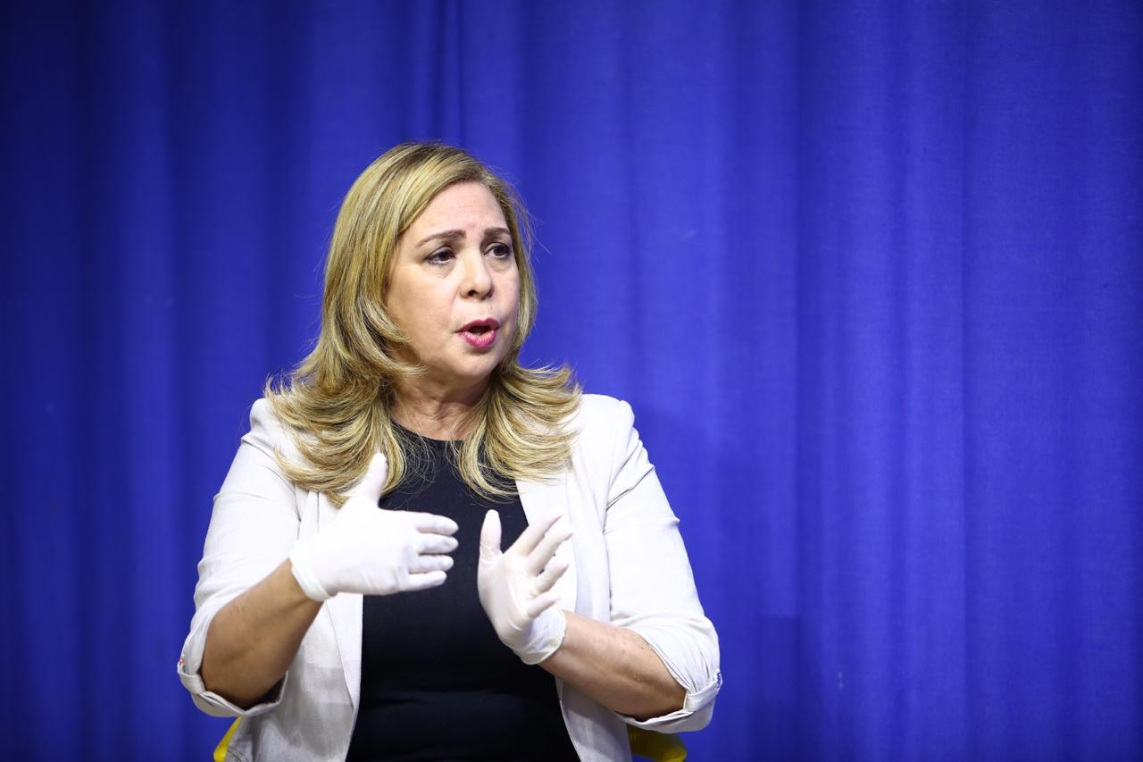 Sergia Elena denuncia presiones por sus ataques al candidato del Gobierno
