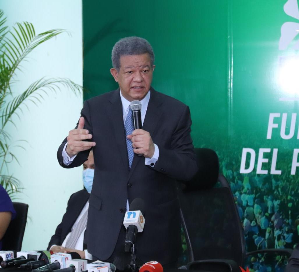 Leonel Fernández se muda a Santiago por tres días, para hacer contacto con dirigentes y sectores sociales