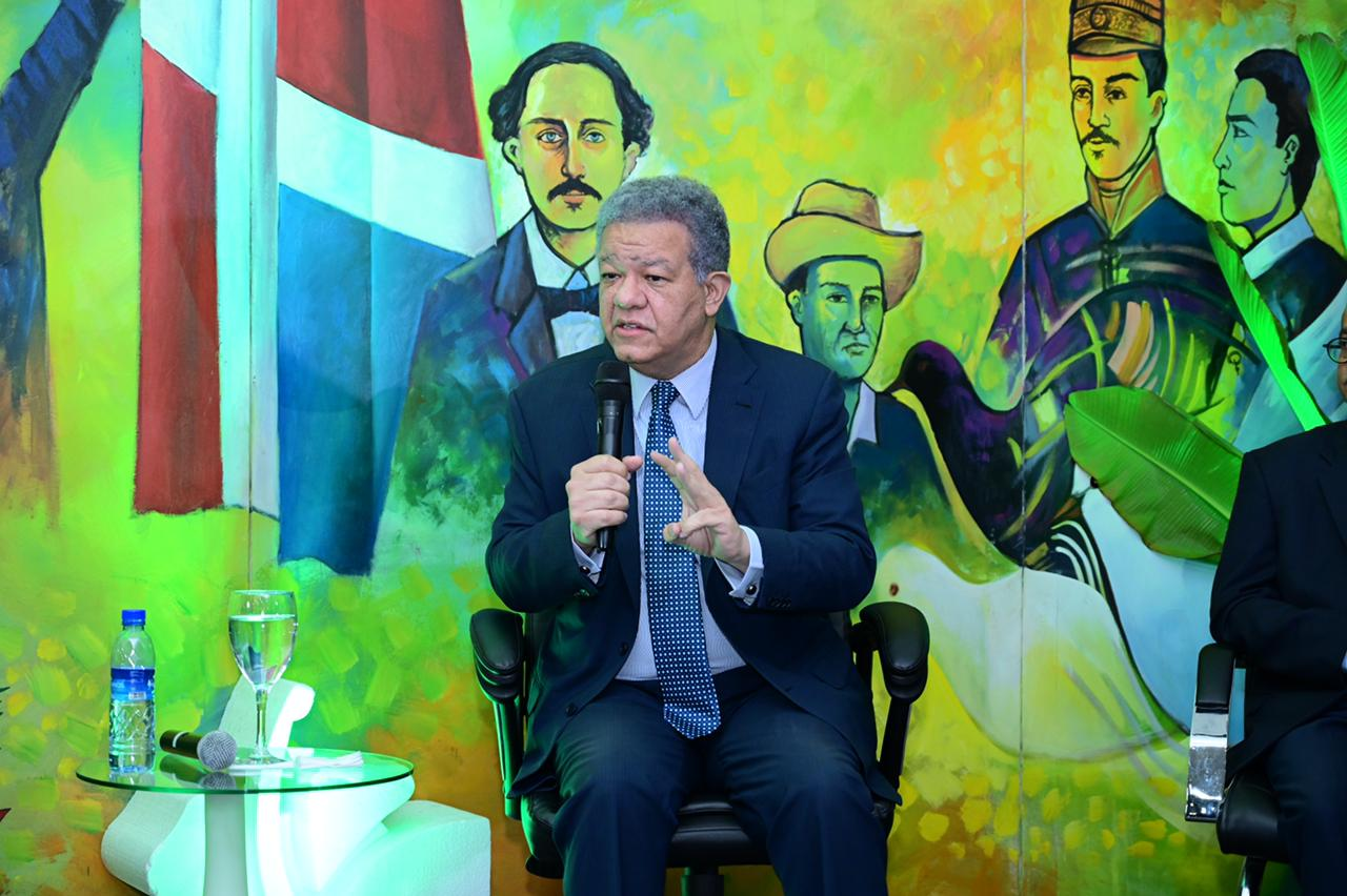 Leonel Fernández deja claro Fuerza del Pueblo no podría apoyar Reforma Fiscal en este momento